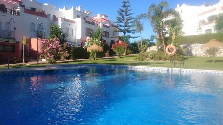 Estudio con 1 dormitorio, terraza, 2 piscinas