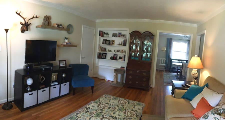 Common area: Living Room