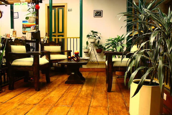 HOTEL LOS GERANIOS, Centro histórico Manizales