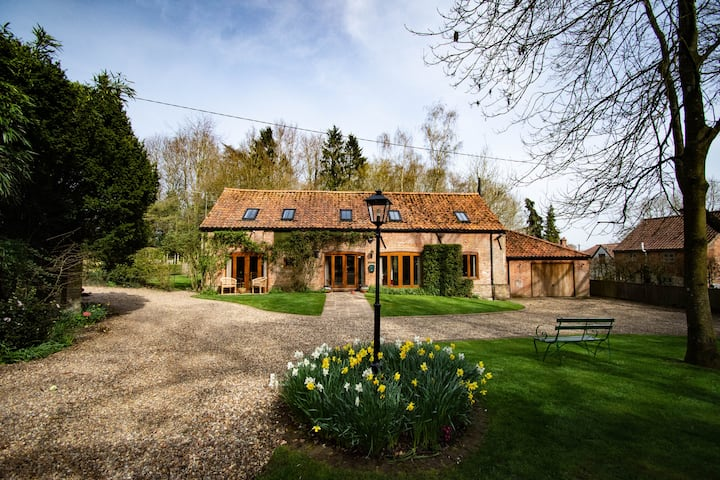 Wonderful Barn conversion in private grounds!