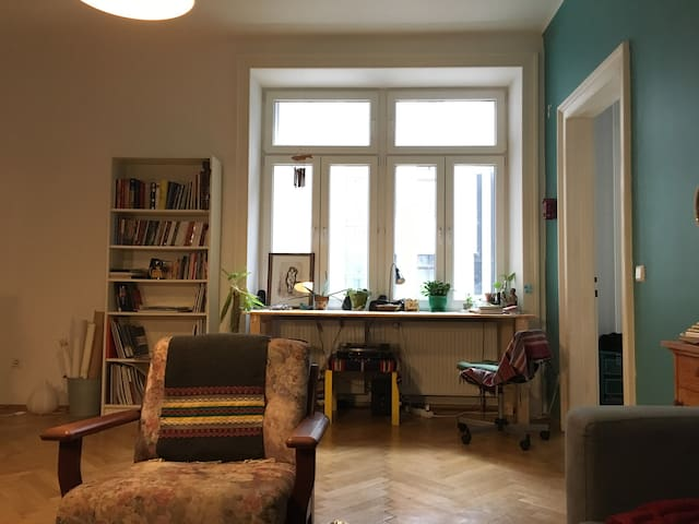 Great artistic Apartment /7min. walk to citycenter