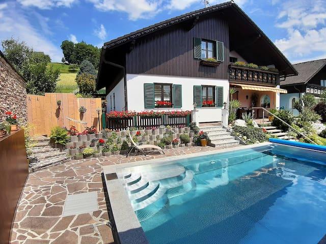 NEUE Ferienwohnung 110 m² nahe Eurotherme