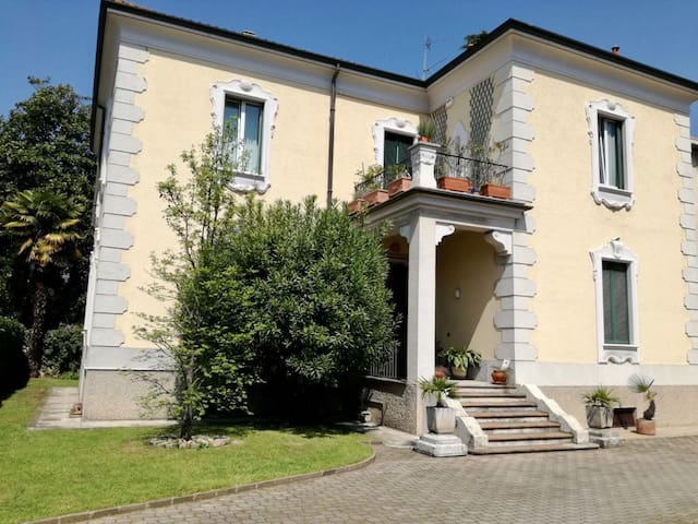 Charming village 30min from Milan center