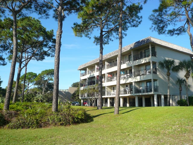 Elevated first floor direct ocean front