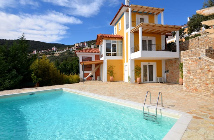 Luxury villa Marilia with a pool & sea view