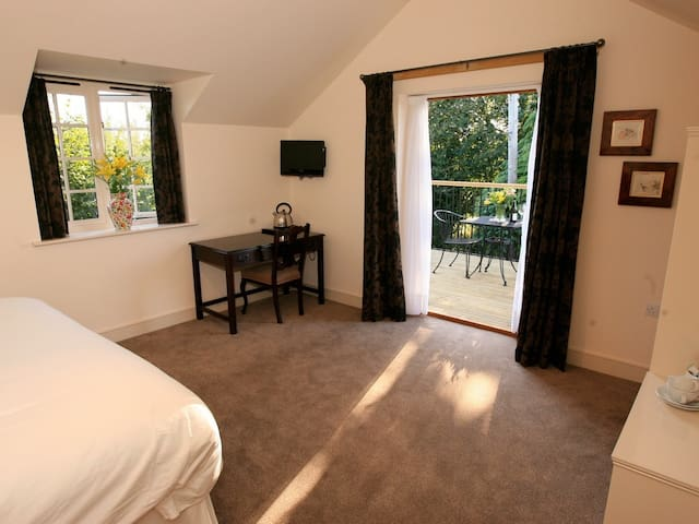 Deluxe Double or Twin - Ensuite - with Terrace