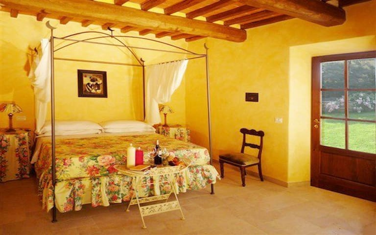 Suite with terrace - Toscana - Bed & Breakfast