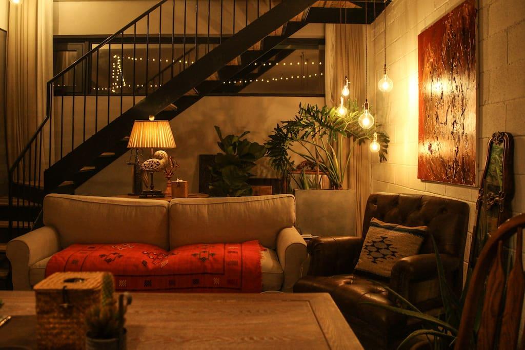 以下照片是一楼的客厅......