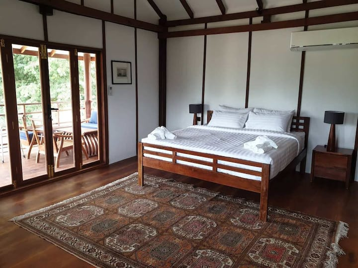 Khla Lodge Double Room of the Boat House