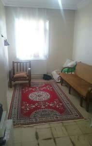 Clean a room in Istanbul Buyukcekme - İstanbul Büyükçekmece