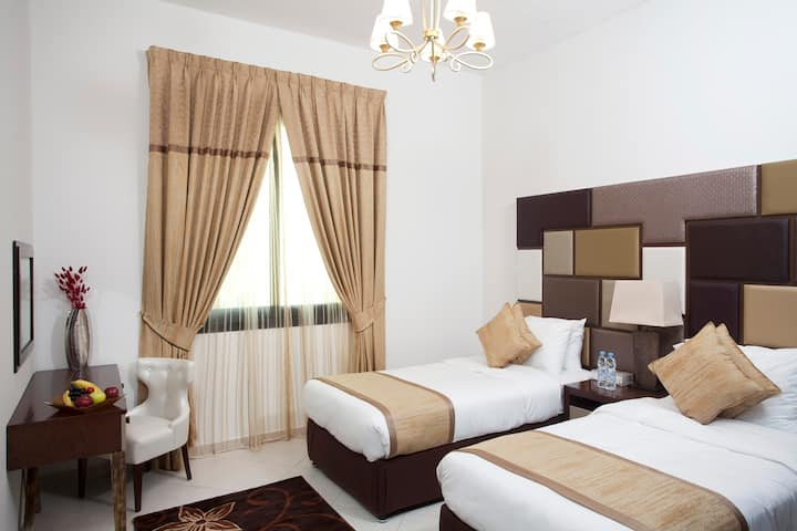 Private spacious One Bed room in Hotel Apartment