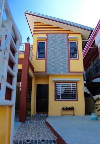 New Built Two-Story, 3-BD, 3-BA Home w/ Balcony - Cavite City - Casa
