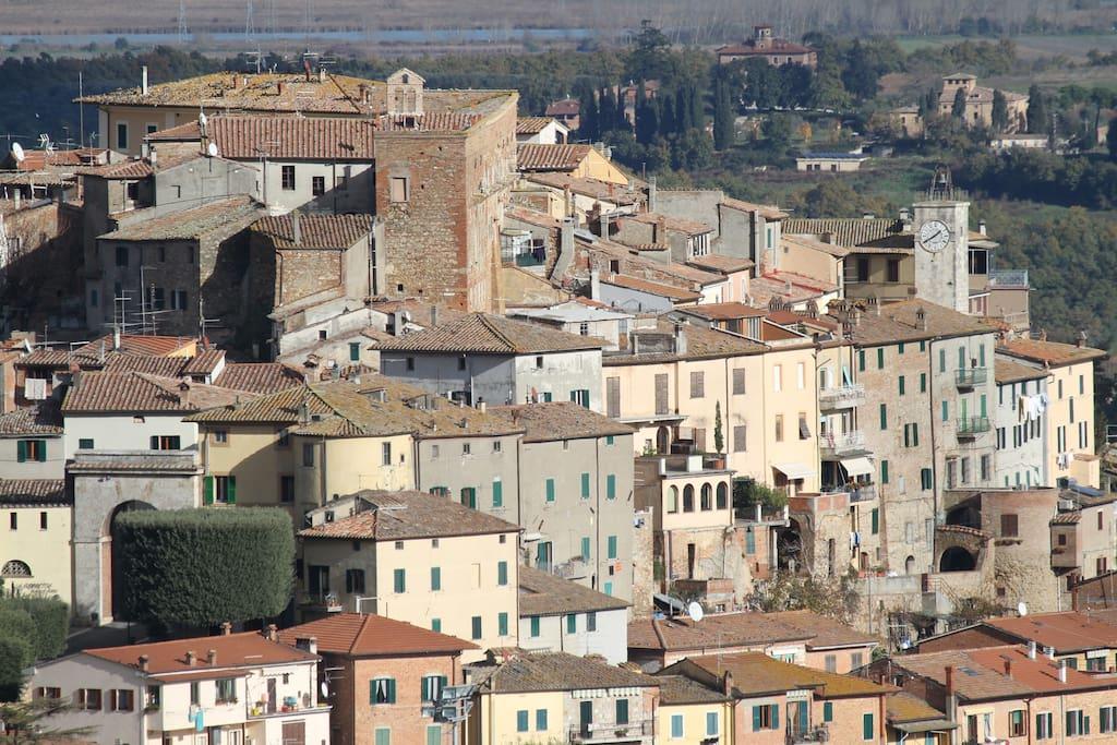 Il Centro storico di Chianciano Terme Foto con copyright ©Daniele Ciolf)