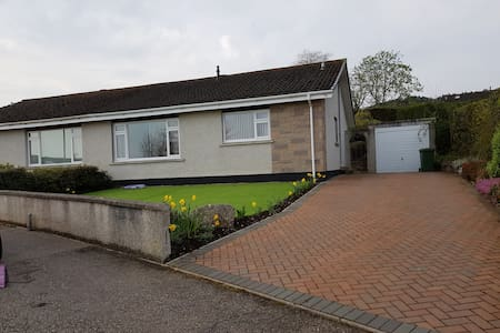 Firthview House, 2 bedroom Inverness, free parking