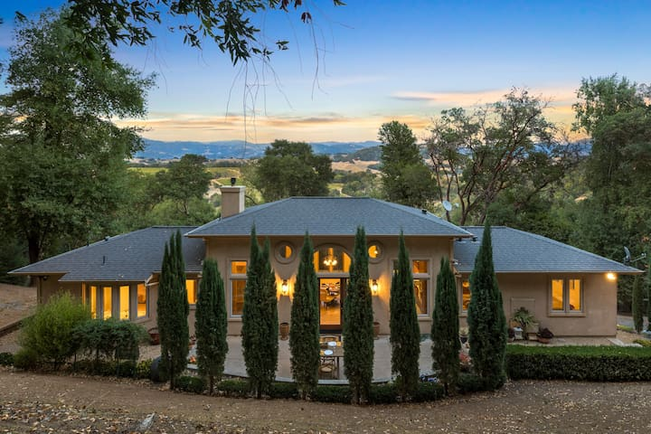 Hilltop Vista Villa