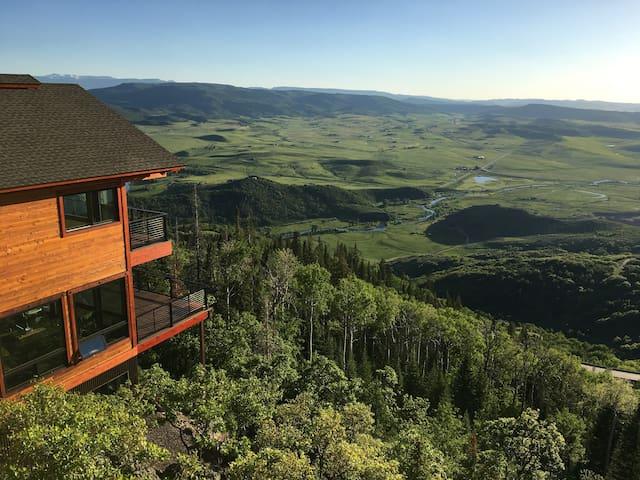 Majestic Mountain Retreat
