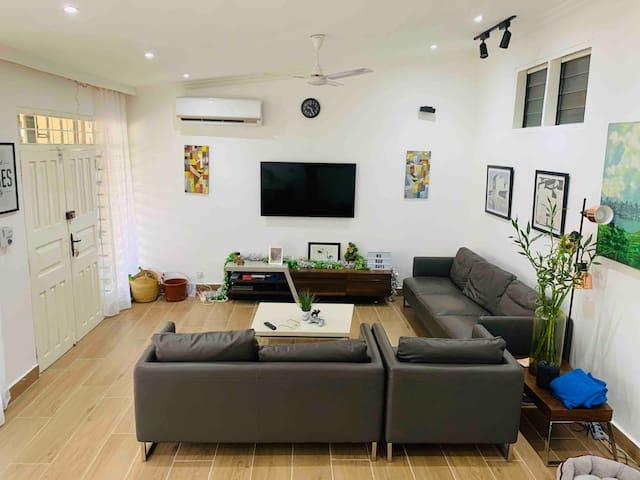 Simple & Comfortable home. AC, Free WiFi & Netflix