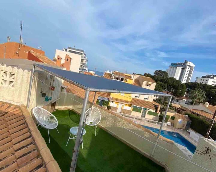 Casa con piscina comunitaria en Campello playa