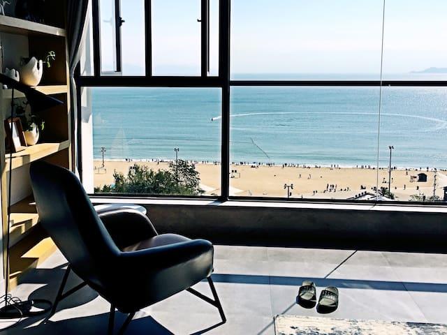 『沿线』大梅沙海滩/200㎡绝美海景尊贵顶层复式三房/近东部华侨城