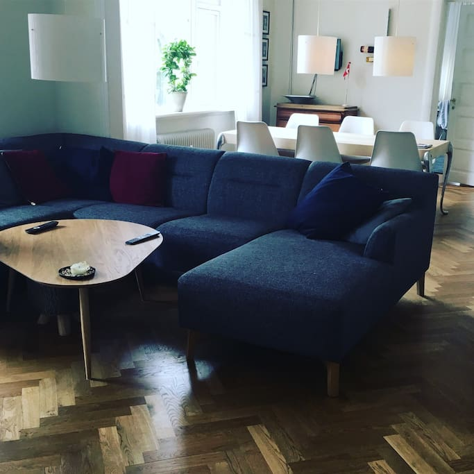 Livingroom. Big sofa, big TV, dinner table (8 seats)