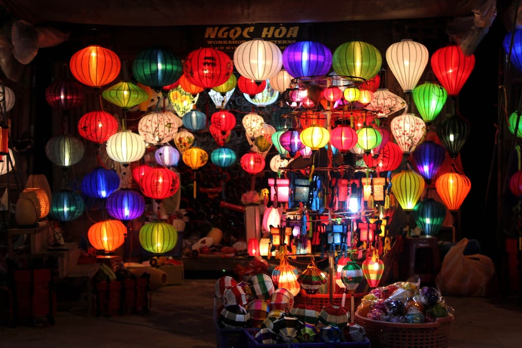 Hoi An night market - 100m from the house