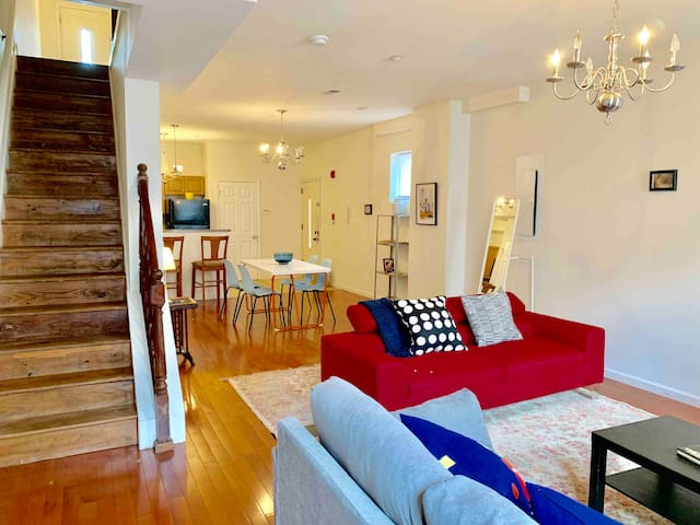 Duplex apartment w/ 2 bedrooms 2 baths in Fishtown