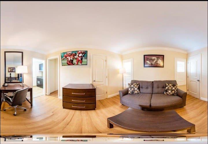 Monterey! 2BRW/QQ /Q/ SOFA BED/ Kitchen/JACUZZI !