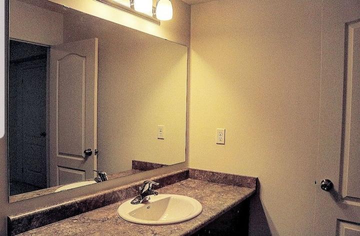 Cozy Private Room w Washroom
