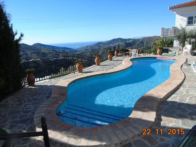 AMAZING VIEWS N BREAKFAST INCLUDE! - Cómpeta - Apartamento