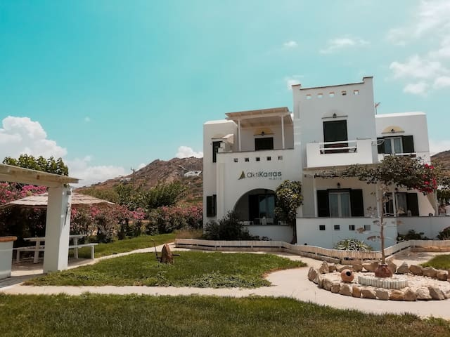 Akti Karras,Plaka Naxos (up to 2 guests,1st floor)