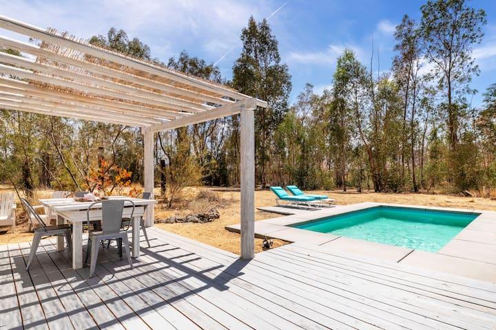 Joshua Creek - Homestead w/private pool & hot tub!