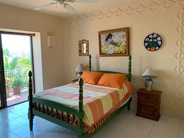 Habitación con alberca  Fracc. Exclusivo La Punta