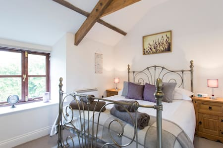 Barn conversion 10 mins to beach -Molly Cottage