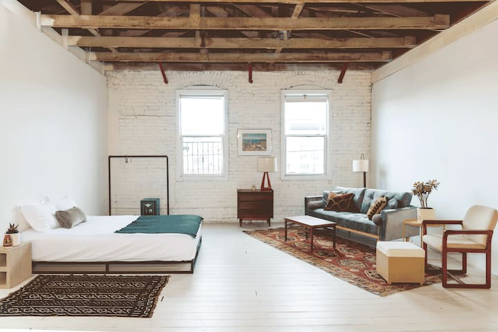 Stylish Warehouse Loft Apartment in Downtown LA