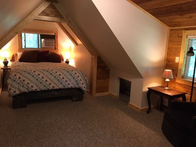 Bedroom with sitting area and room for extra mattress