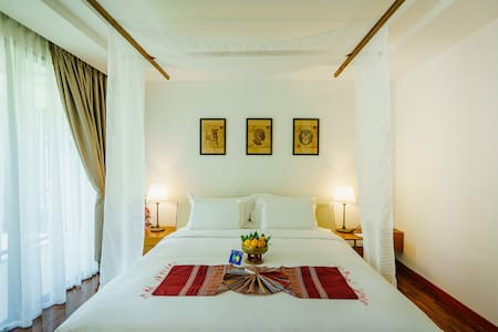 Mango T. Villa Chiang Mai - Deluxe Double with ABF - Boutique-hotelli