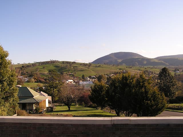 Omeo Hilltop Hotel