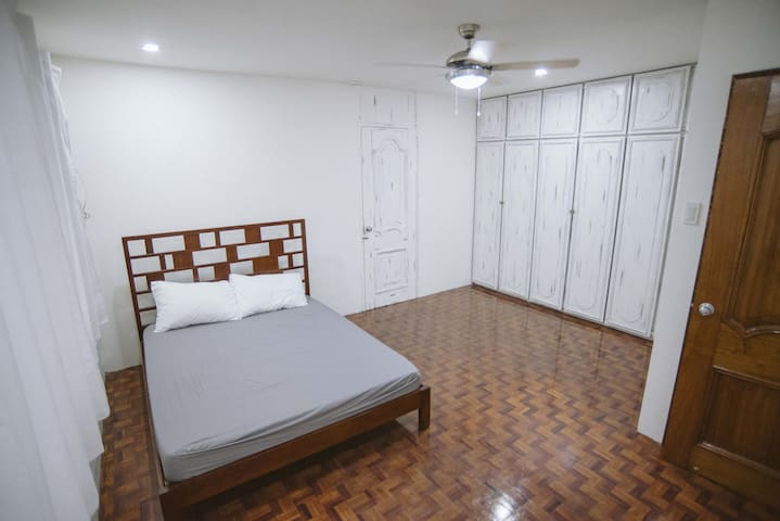 1 Bedroom Unit for 2 at a Coworking Space. Fibr. - Bacolod