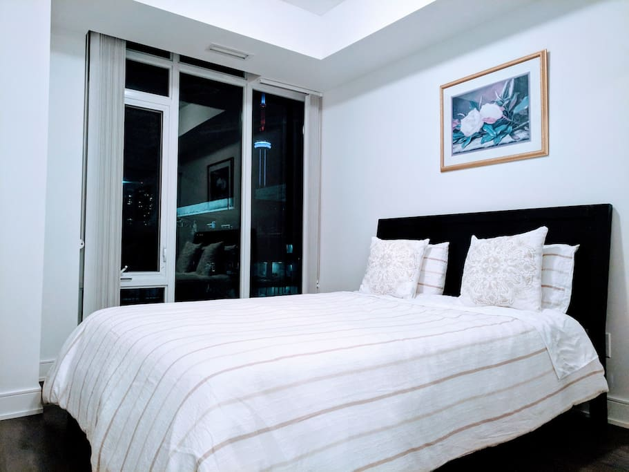 Vacation In Toronto Lower Penthouse Suite Condominiums For Rent In Toronto Ontario Canada
