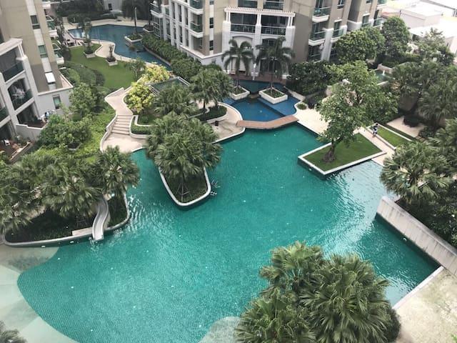 Stylish Resort-like Condo in Central Bangkok中文服务