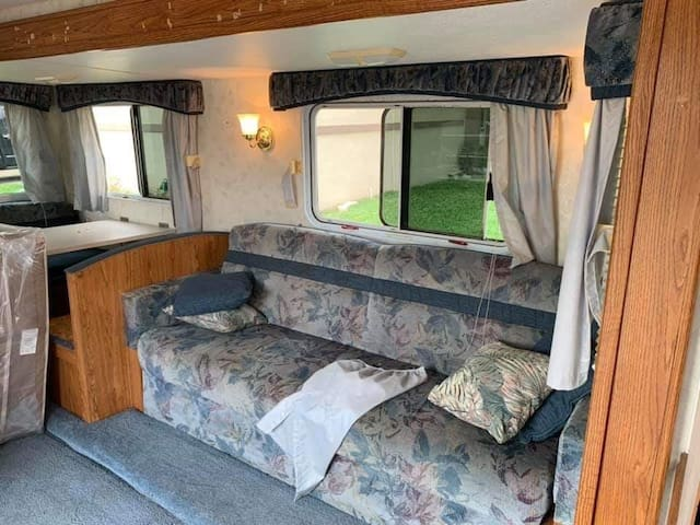 Camper/rv ...15/ night!!