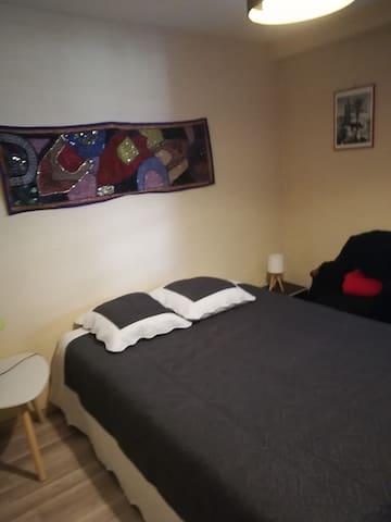 chambre  avec salle de bain,  Périgueux Boulazac