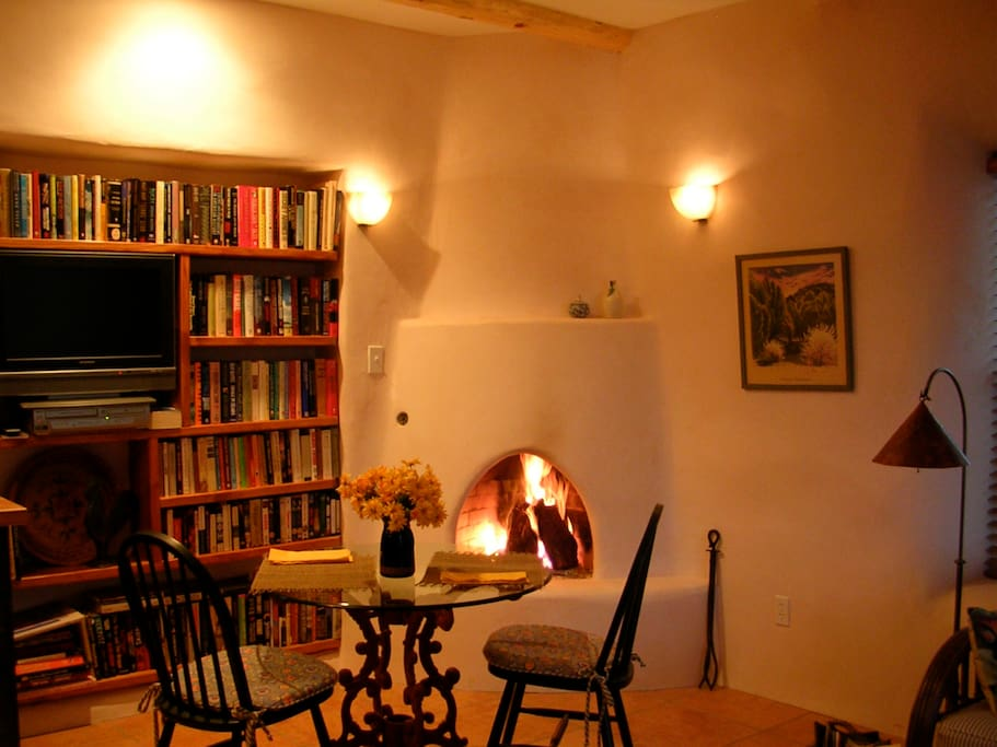 lovely dining area, gas kiva fireplace