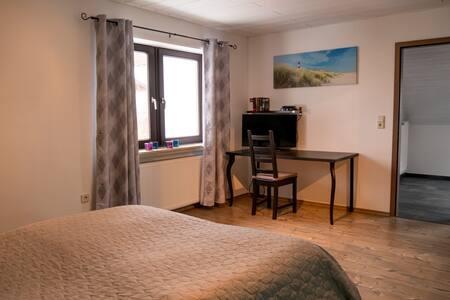 Gästezimmer mit Nähe zu Neumarkt und Nürnberg