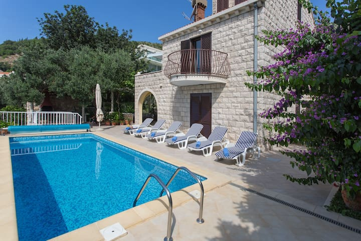 Villa Ana Maria - Villa with Swimming Pool