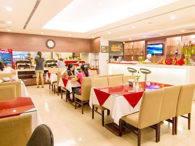 This is where you have your buffet breakfast (6.30AM - 10 AM). It is on the ground floor. We serve Vietnamese foods, Western foods (bacon, bread, jam, butter, omlette, sausage, tomato sauce, ...), tea, coffee, fresh fruits, Hot soups and more
