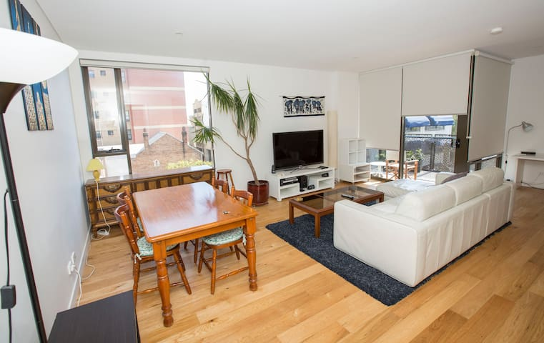 Luxury 1 bedroom at Central station