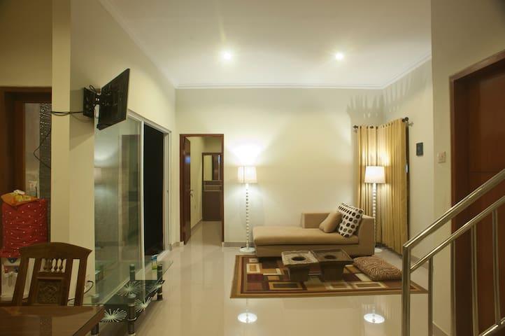3 Bedrooms House in Denpasar near Seminyak - West Denpasar - Hus