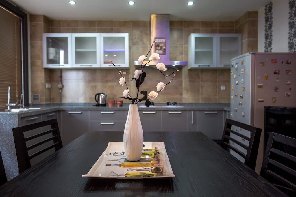 餐厅和厨房/kitchen&eating room