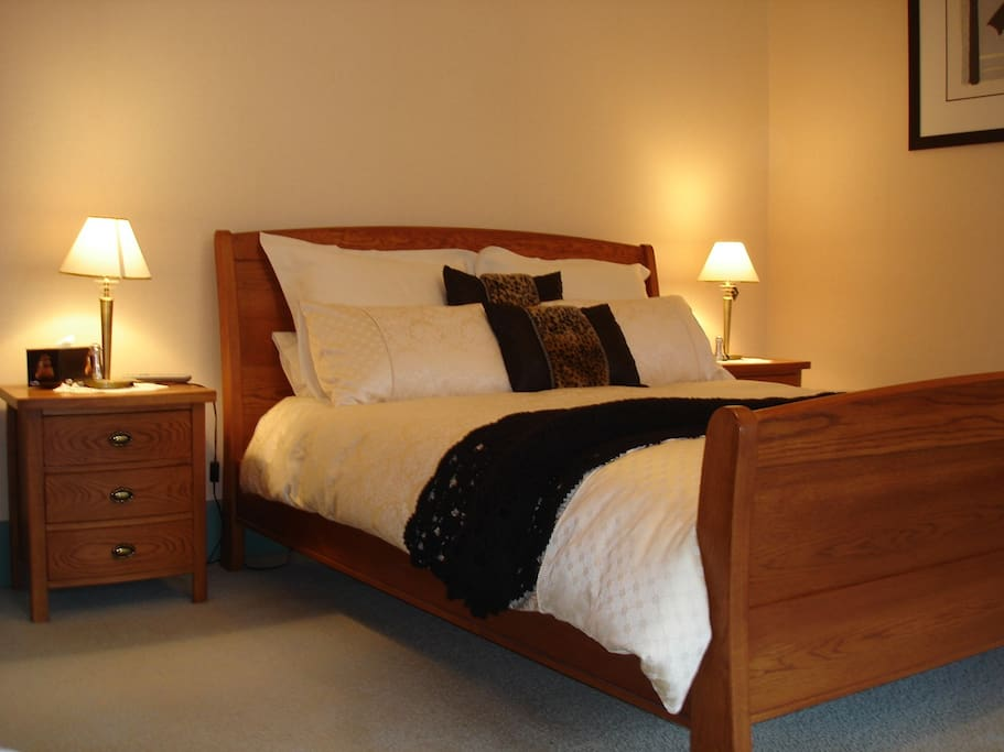 Kaka Is our King Room, has king size bed and in accompanying dressing room a single bed